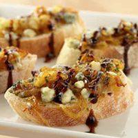 balsamic glazed onion crostini